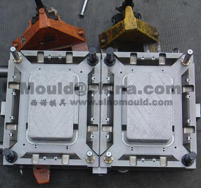 2-cavities crate mould core with moldmax_433