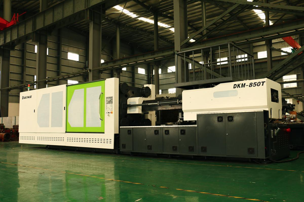 Dakumar 850T injection molding machine